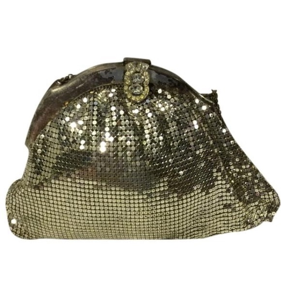 Whiting & Davis Handbags - Whiting & Davis 1920's Silver Mesh Wrist Purse